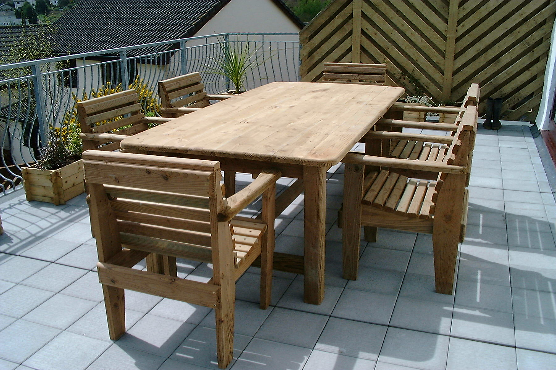 8x4 table chairs 04