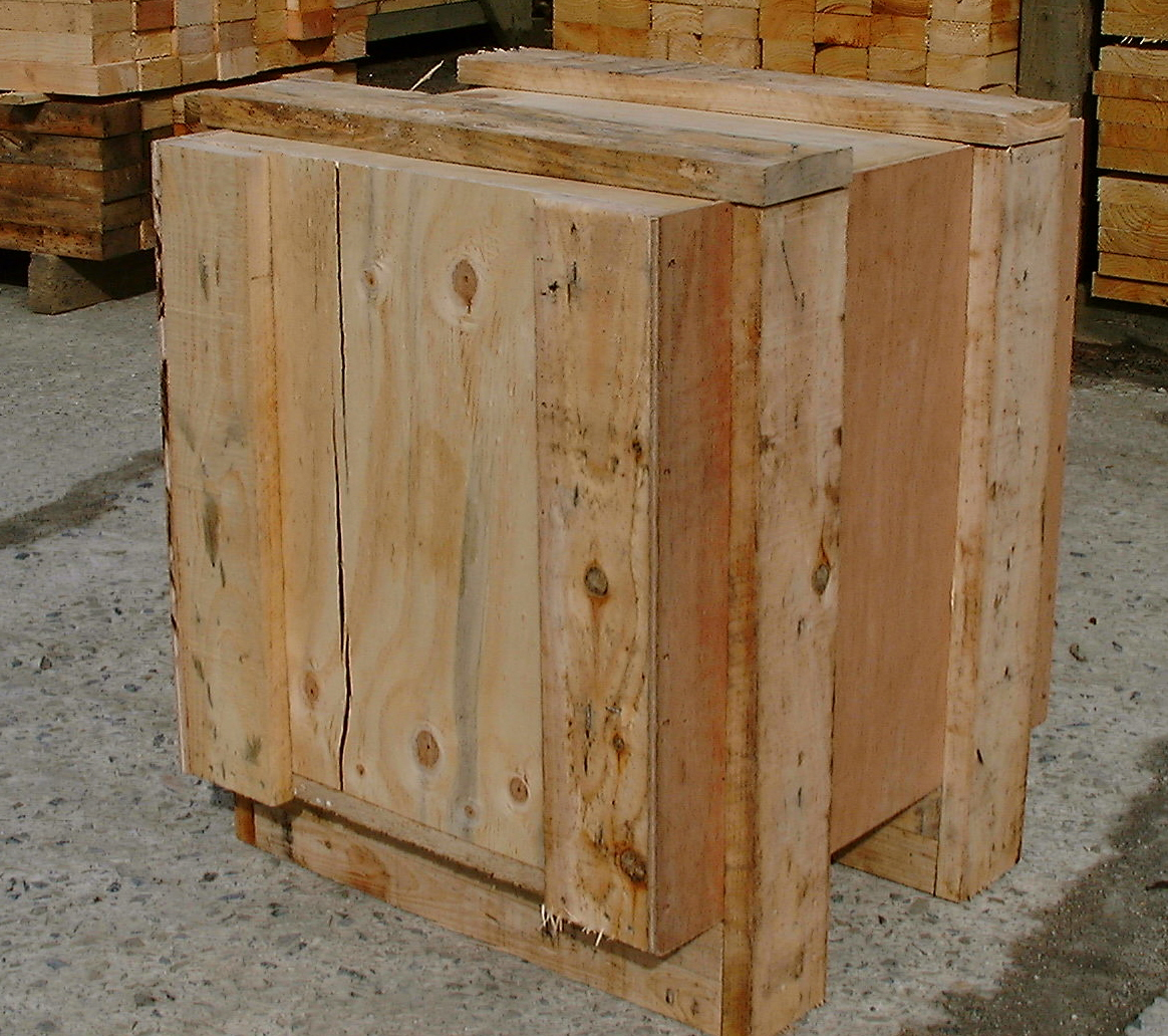 COMPAIR PLYWOOD BOX 01