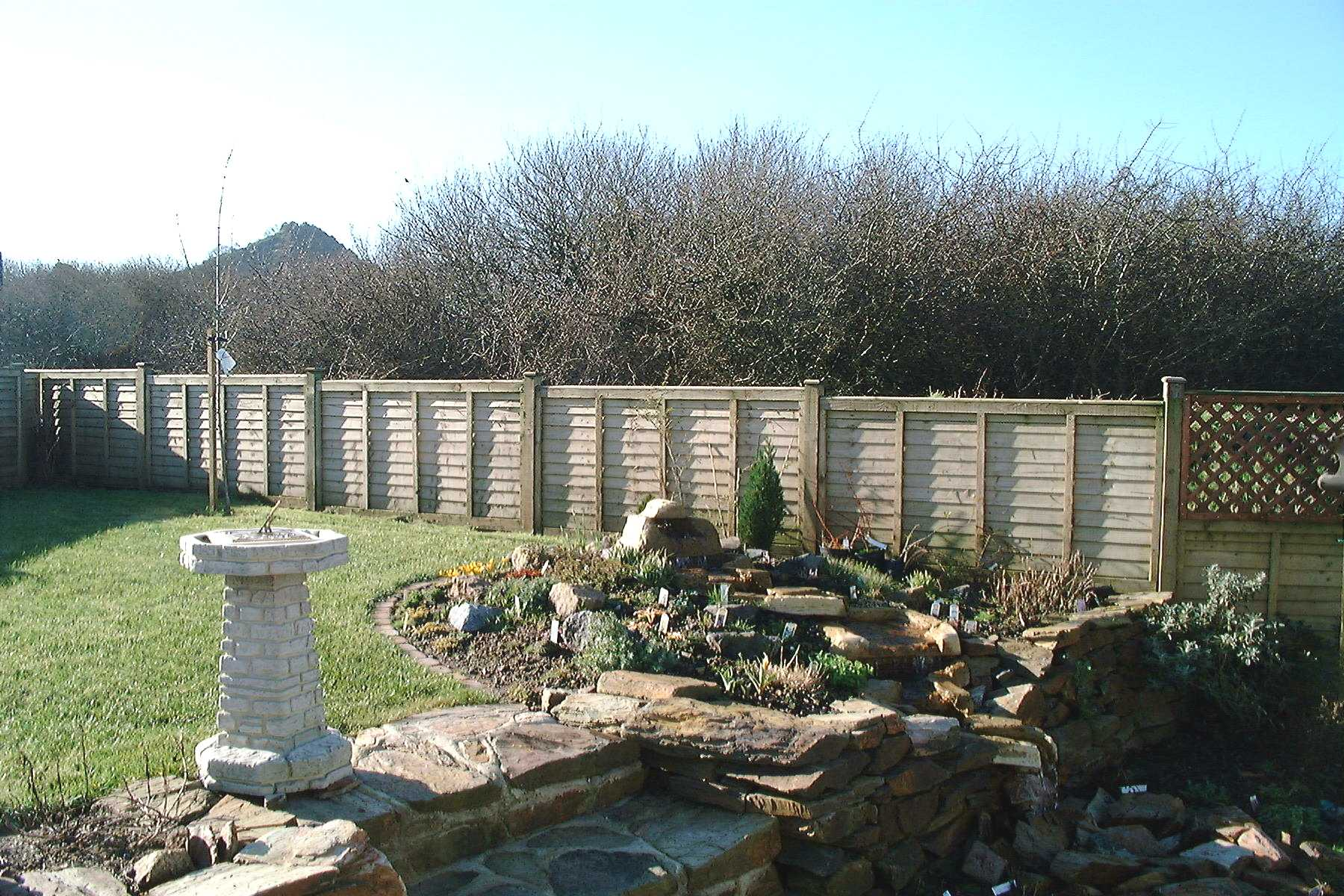 Area garden fence panels timber fence posts concrete fence items